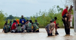 انڈونیشیا میں سیلاب سے ہلاک ہونے والوں کی تعداد 59 ہوگئی