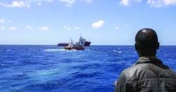 اٹلی جانے کی کوشش، کشتی میں خرابی 13افراد نے سمندر میں چھلانگیں لگا دی