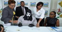 کروڑوں کی لاٹری جیتنے والا ماسک پہن کر انعام وصول کرنے کیوں پہنچا جان کر آپ بھی دنگ رہ جائینگے