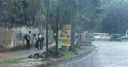 بارشوں کا سلسلہ ابھی تھمنے والا نہیں ، محکمہ موسمیات نے ٹھنڈی ٹھنڈی پیش گوئی کردی