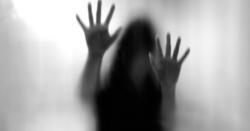 پاکستان کے معروف ہسپتال میں ہسپتال کے ہی ایسے شخص نے 19سالہ طالبہ کو زیادتی کا نشانہ بنا ڈالا