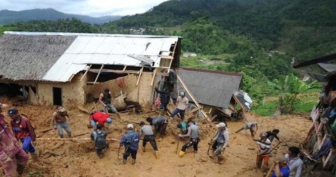 انڈونیشیا میں لینڈ سلائیڈنگ سے 9 افراد ہلاک