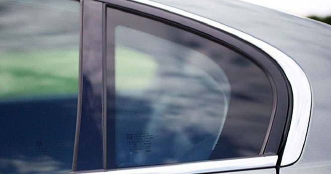 گاڑیوں میں نصب اس شیشے کا مقصد کیا ہوتا ہے؟خبر نے سب کو حیران کردیا
