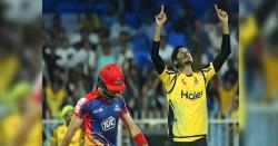پشاور زلمی نے کراچی کنگزکو  61رنز سےہرا دیا