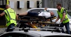 زخمی ہونیوالے مسلمان شخص کو سٹریچر پر لٹایا گیا تو وہ کیا کر رہا تھا؟