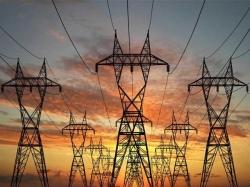 عوام کو ایک اور جھٹکا ، بجلی قیمتوں میں کتنااضافہ کیاجارہاہے، جان کرآپ سر پکڑ لینگے
