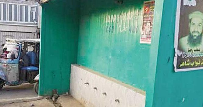 بینظیرآباد کے باسی پانی کی بُوند بُوند کو ترس گئے