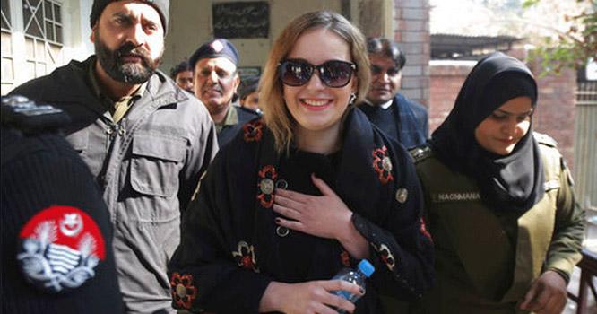 پاکستان کی کس شخصیت سے ملاقات کی خواہش کا اظہار کر دیا