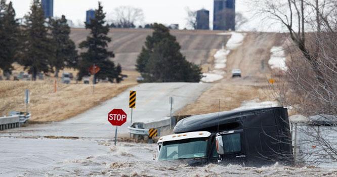 امریکہ میں بارشوں کے بعد سیلاب نے تباہی مچادی
