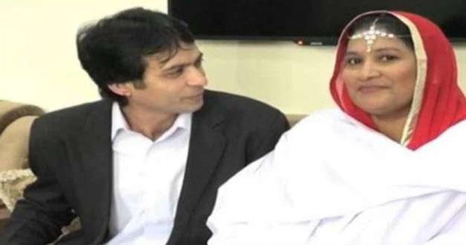 پاکستانی نوجوان کی محبت میں گرفتار ہو کر ہسپانوی خاتون مردان پہنچ گئی