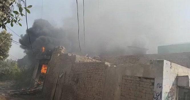 پتوکی: لین دین تنازع پر فائرنگ، مخالفین نے 6 دکانوں کو آگ لگا دی، 2 افراد زخمی