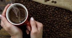 بہت گرم چائے یا کافی پینے کی عادت کینسر کا باعث بن سکتی ہے، سائنسدانوں نے وارننگ جاری کردی