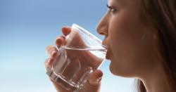 خالی پیٹ گرم پانی سے موذی بیماریوں کا بڑا ہی آسان علاج ، صدقہ جاریہ سمجھ کر آگے شیئر کیجئے