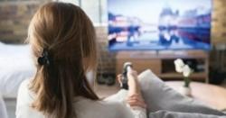 اگرآپ شوق سے ٹیلی ویژن دیکھتے ہیں توآپ کویہ جان لیوابیماری ہوسکتی ہے؟خطر ے کی گھنٹی بجادی گئی