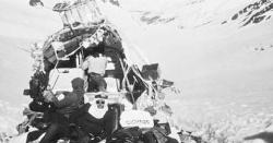 29دوستوں کی لاشیں کھا کر زندہ رہنے والا فضائی مسافر