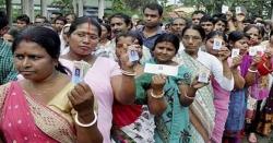 بھارت کی 20 ریاستوں میں 91 نشستوں کے لئے ووٹنگ جاری