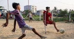 میانمار: کم عمر نوجوان نے معذوری کو مجبوری نہیں بننے دیا