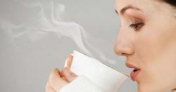نہار منہ نیم گرم پانی پینا صحت کیلئے نہایت مفید