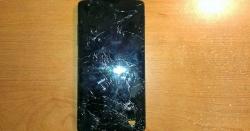 سمارٹ فون کی اسکرین پر خراشیں پڑگئی ہیں توصاف کرنے کایہ آسان ٹوٹکا آزمائیں