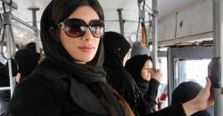 ایران میں سر سے سکارف اتارنے والی خاتون کو خوشخبری سنا دی گئی