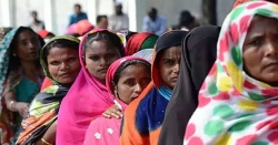 نوٹ کے بدلے ووٹ: بھارت میں منڈی لگ گئی