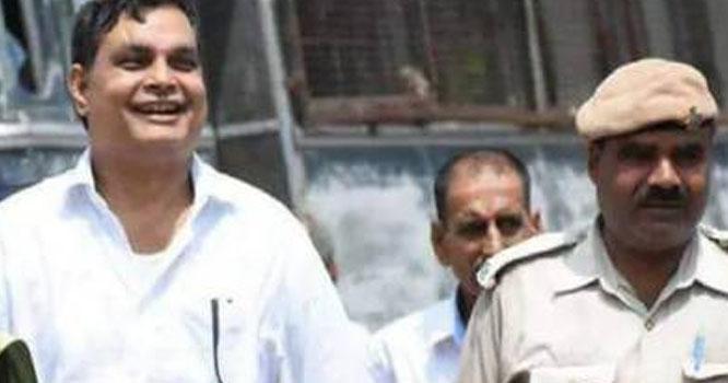 بھارتی سیاستدان ووٹ کیلئے رقص کرنے پر مجبور