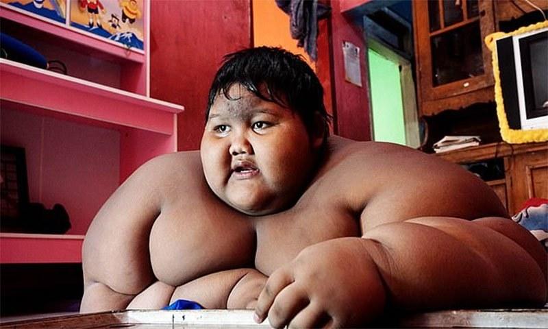 دنیا کا سب سے موٹا بچہ ، 3برسوں میں خود کو بدلنے میں کیسے کامیاب ہوا ؟اس نے یہ کیسے کیا؟