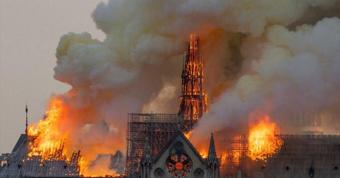 آتشزدگی سے تباہ ہونے والے تاریخی چرچ کے  حوالے سے فرانسیسی صدرنے بڑااعلان کردیا