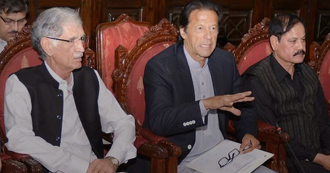 پر ویز خٹک نے وزیر اعظم عمران خان سے سب سے خا ص وزارت ما نگ لی