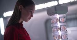 سائنس فکشن فلم ''آئی ایم مدر''کا پہلا ٹریلر جاری