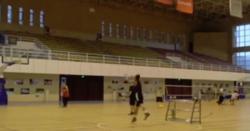 کھلاڑ ی کا ایک منٹ میں 7 بار بال باسکٹ کرنے کا مظاہرہ