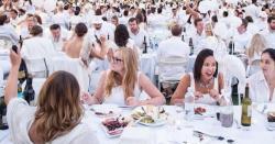 پورٹو ریکو میں سرپرائز ڈنر، 2 ہزار سفید پوش افراد شریک