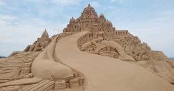 سمندر پر ریت کے مجسموں کا عالمی میلہ