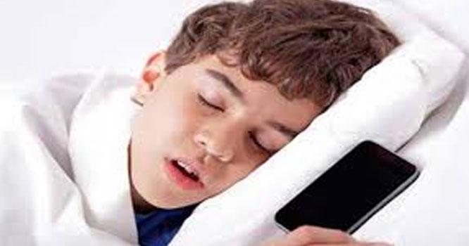 انسان کو عمر کے مختلف حصوں میں کتنے گھنٹوں کی نیند درکار ہوتی ہے؟جانئے اندر کی خبر