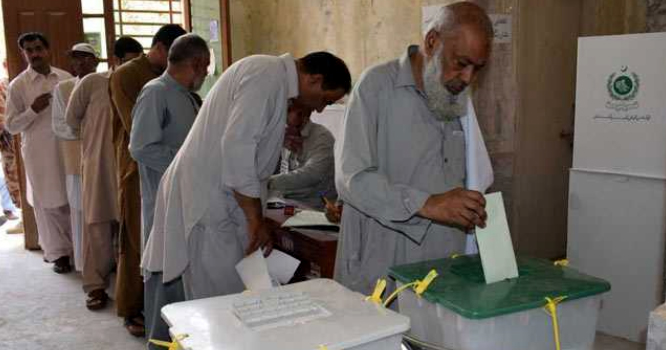 پاکستان میں قبل از وقت اور کچھ ہی دنوں میں انتخابات کا شور مچ گیا