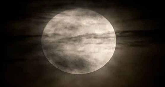 چاند پر شہر بسانے کی تیاریاں شروع