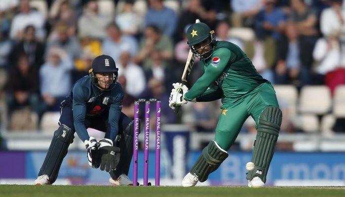 پاکستان اور انگلینڈ کے درمیان تیسرا ون ڈے آج کھیلا جائے گا