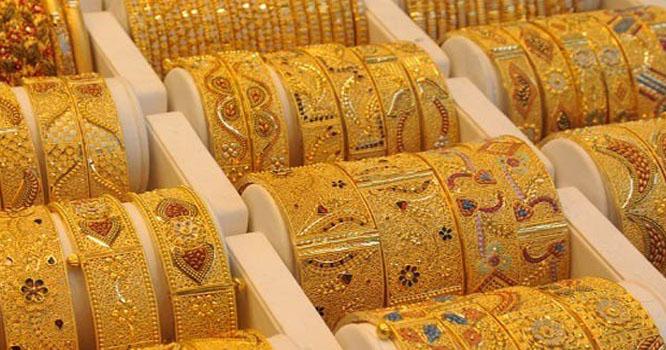 سونے کی فی تولہ قیمت میں 700 روپے کا اضافہ