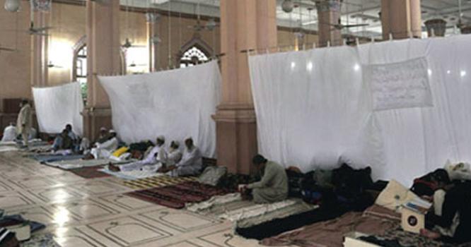 لاکھوں فرزندانِ اسلام آج اعتکاف بیٹھیں گے
