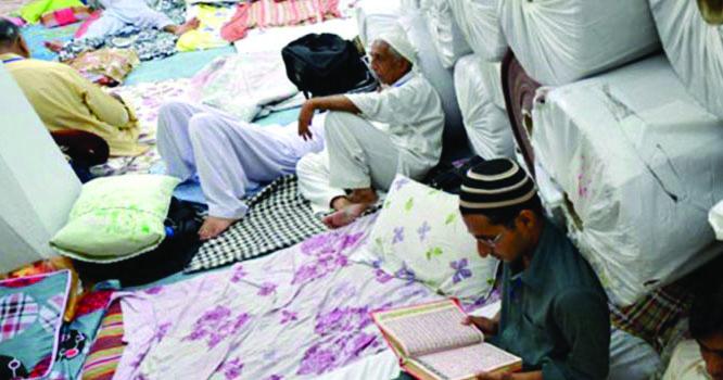 اعتکاف کے دوران اپنے پاس موبائل فون رکھنے سے اعتکاف ٹوٹ جاتا ہے، معروف عالم دین نے فتویٰ جاری کردیا
