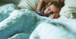 سکول میں ڈانٹ ڈپٹ کا سامنا کرنے والے بچے نیند کے دوران کس مسئلے کا شکار ہوسکتے ہیں، اہم انکشاف