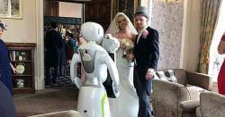 کیا آپ اپنی شادی پرروبوٹ فوٹوگر افر سے تصاویر بنوائیں گے؟