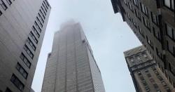 نیویارک میں ہیلی کاپٹرعمارت سے ٹکراکرتباہ