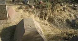 پاکستان کے ایک شہر میں مُردہ عورت نے قبر میں جس بچے کو جنم دیا اب وہ ایسا کام کرتا ہے کہ اسے دیکھ کر اللہ یاد آجاتا ہے