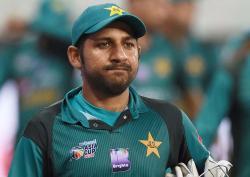 کپتان سرفراز احمد کو ٹیم میں ہونے والی گروپ بندی کا علم تھا پھر بھی اسے ختم نہ کرواسکے ، معین خان