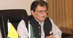 وزیراعظم آزاد کشمیر راجہ فاروق حیدر پارلیمنٹ کی لفٹ میں پھنس گئے