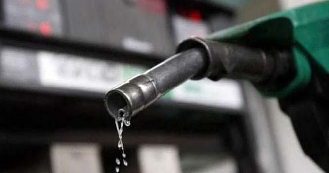تیل قیمتوں میں زبردست کمی ، عید سے قبل گاڑی مالکان کیلئے ناقابل یقین خوشخبری آگئی