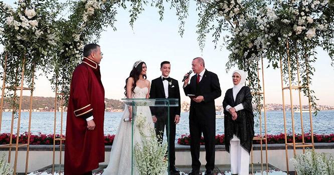 جرمن فٹ بالر کی شادی ،ترک صدر 'شہ بالا' اور گواہ بن گئے