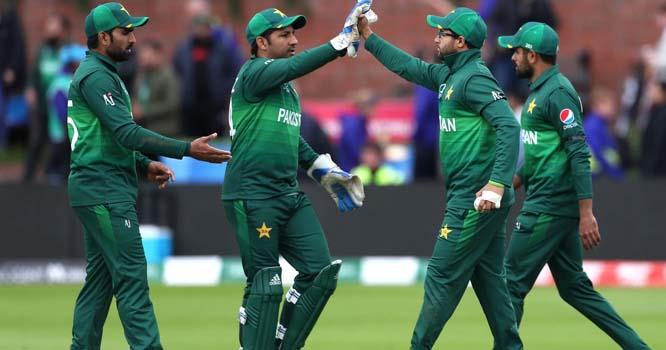 پاکستانی کھلاڑیوں سیاہ پٹی باندھ کرکھیلنے کی وجہ سامنے آگئی