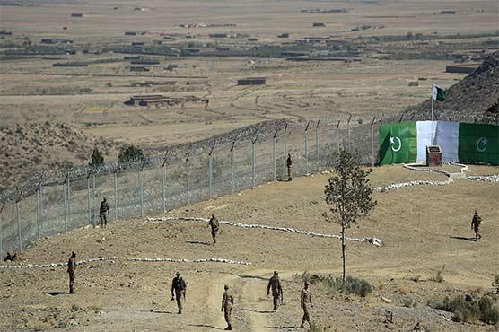 پاک فوج کا افغان سرحد پرباڑ لگانے کا کام تیزی سے جاری